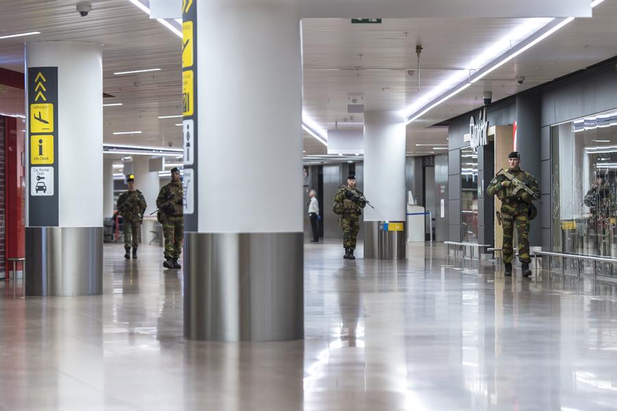 Patrouille OVG à l'aéroport de Zaventem pendant la période de confinement